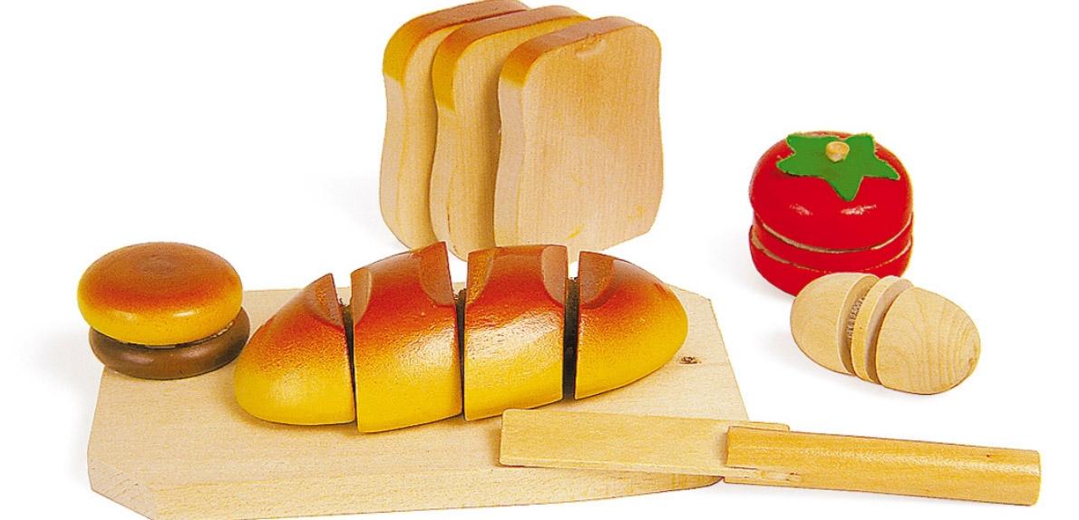 Krájení dřevěné potraviny