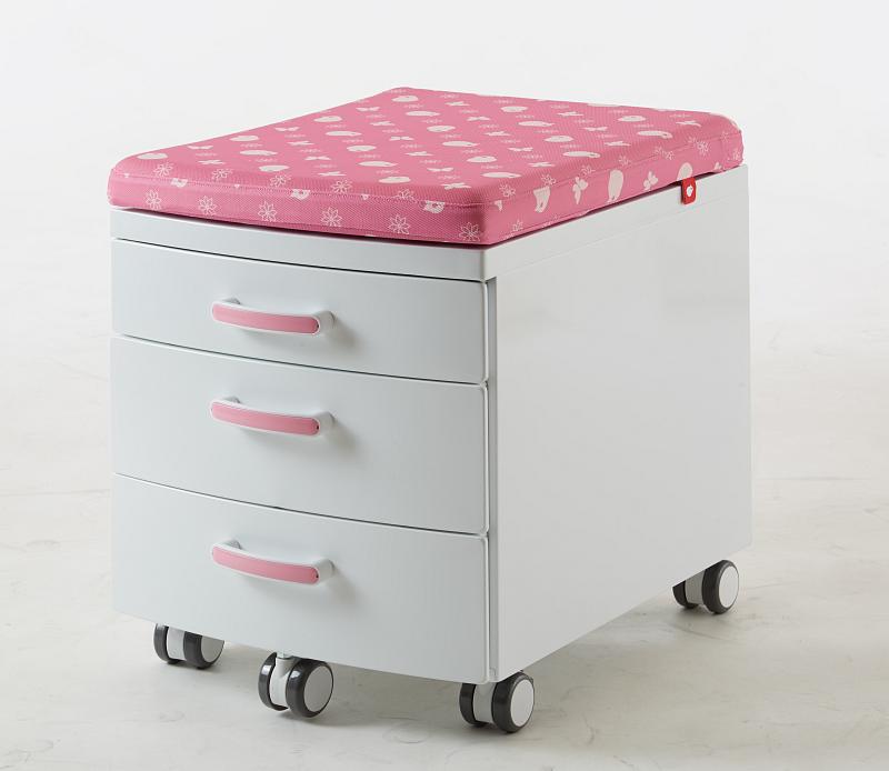 Pojízdný ukládací kontejner s čalouněním k sezení bílo růžový