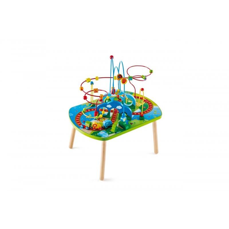 Hrací stolek s bludištěm pro vláčkodráhu