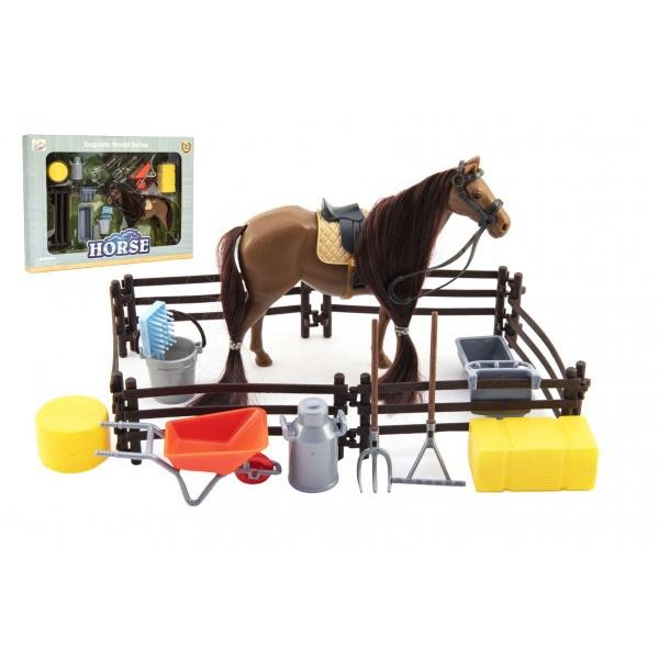Kôň česacia hnedý plast s doplnkami a ohradou v krabici 34x25x5cm