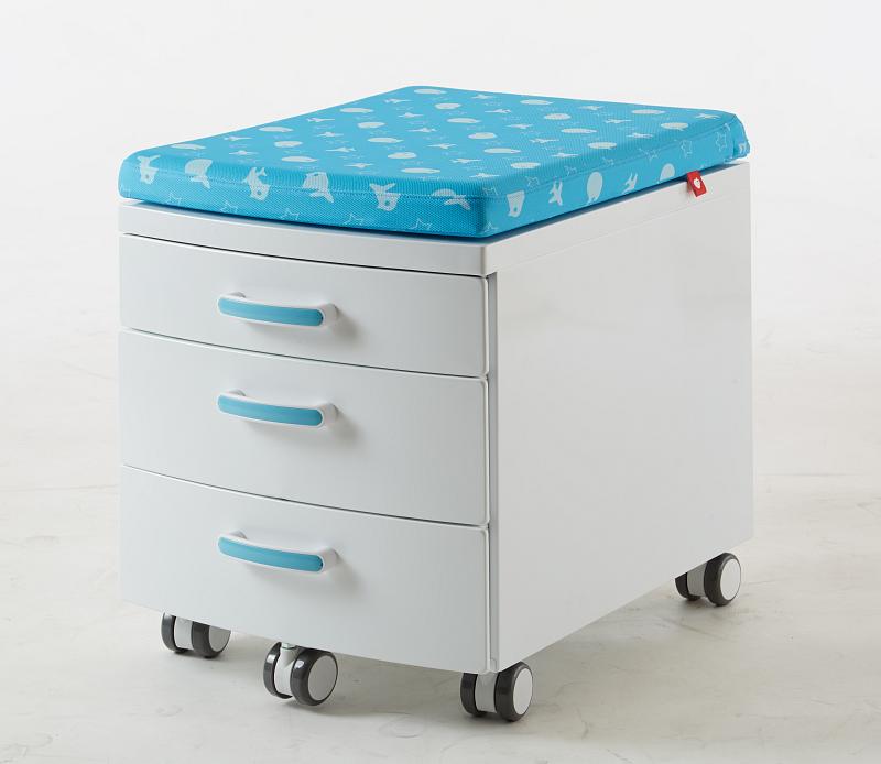 Pojízdný ukládací kontejner s čalouněním k sezení bílo modrý