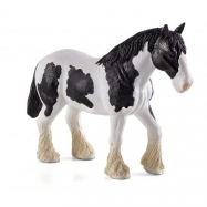 Czarno-biały koń rasy Clydesdale ANIMAL PLANET