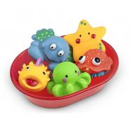 Vodné zvieratká v miske do vane