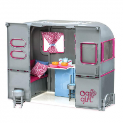 Luxusní karavan pro velké panenky