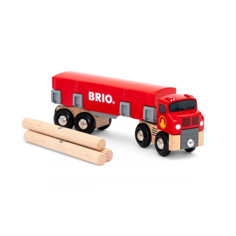 Ciągnik z drewnem