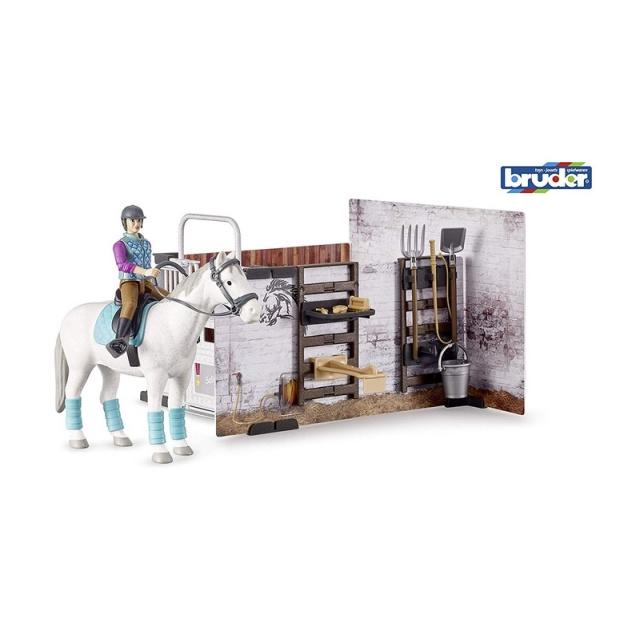 Stajnia z figurką dżokejki i konia Bruder 62506