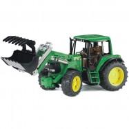 Bruder traktor John Deere z łyżką do kopania