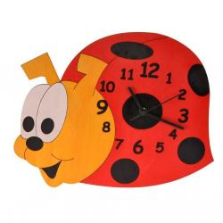 Detské drevené hodiny - Lienka