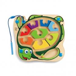 HAPE dřevěný magnetický barevný labyrint želva