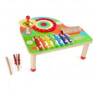 Muzyczny stół z nutami