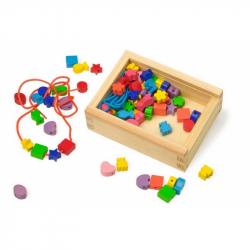 Small Foot Drevené navliekacie korálky tvary v krabičke