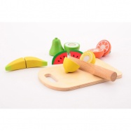 Drevené ovocie s doskou a nožom