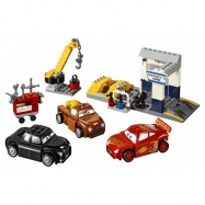 LEGO® Juniors Čmoudíkova garáž 10743