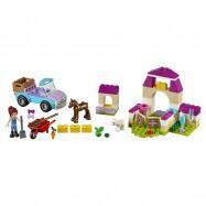 LEGO® Juniors Mia a kufřík na farmu 10746