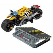 LEGO® Technic Motorka pro kaskadéry 42058