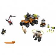 LEGO® Batman Movie Bane a útok s náklaďákem plným jedů 70914