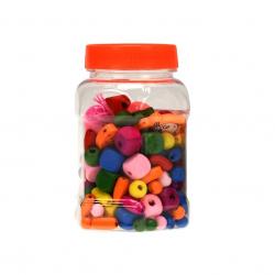 Korálky drevené navliekacie farebné v transparent boxe