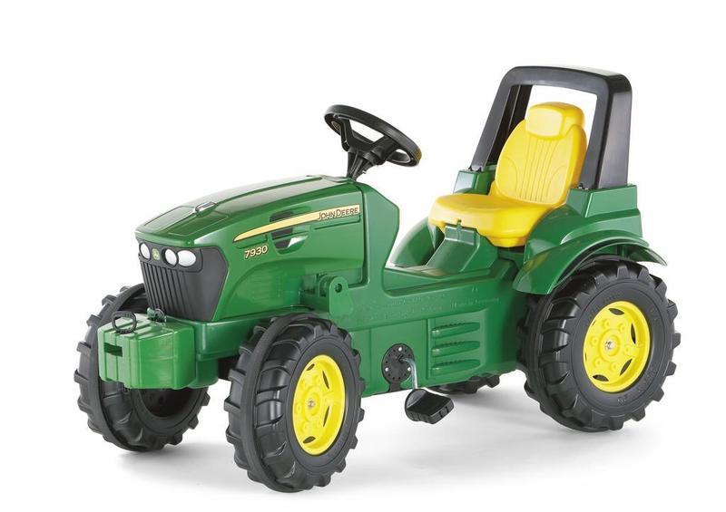 Šlapací traktor John Deere 7930