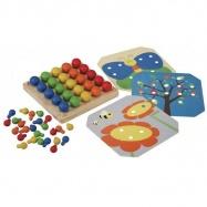 PLAN TOYS Kreatywna tabelka z kołeczkami