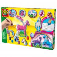 Odlievanie a maľovanie koní