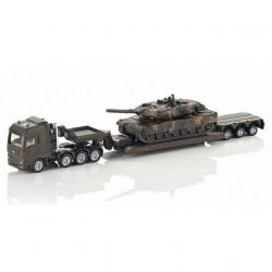 Ciężarówka z czołgiem