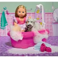 Panenka Evička koupe pejska