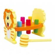 Dřevěné hračky pro kluky - Zatloukačka Lev