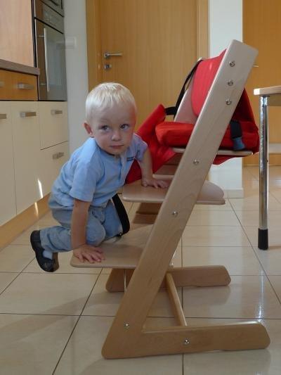 Dřevěný stupínek k dětské rostoucí židli JITRO navíc