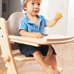 Jedálenský a hrací pultík k stoličke Swing prírodná