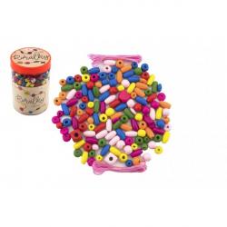 Korálky drevené farebné s gumičkami cca 90 ks v plastovej dóze 9x13,5cm